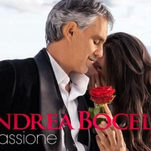 Robot karmester vezényel Andrea Bocellinek!